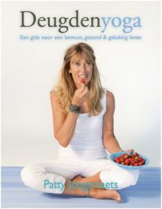 Deugdenyoga Boek door Patty Jongemaets